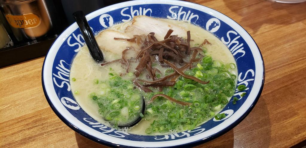 しんしんラーメン 小倉駅 駅から三十歩横丁